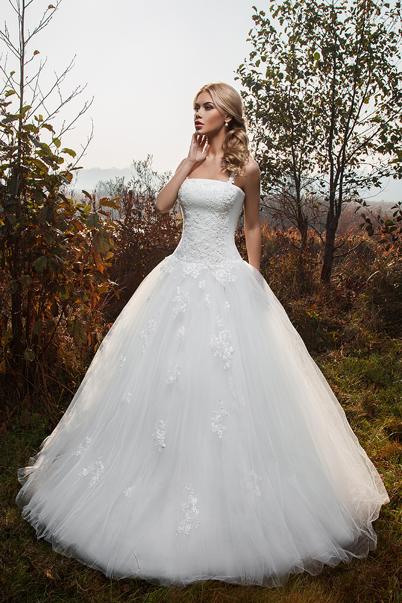 cf362017abf4 Wedding dress Tilda - Ricca Sposa bridal boutique