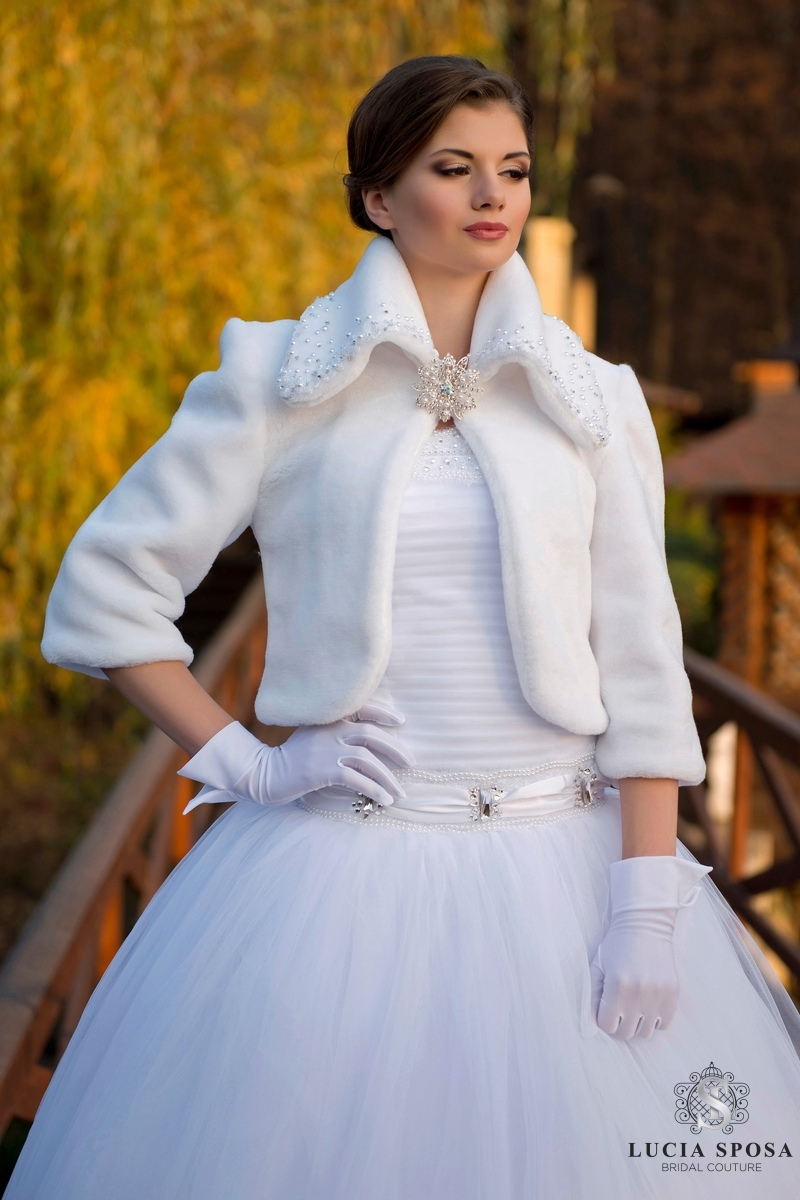 coat for wedding dress EB-sh-06 by Lucia Sposa