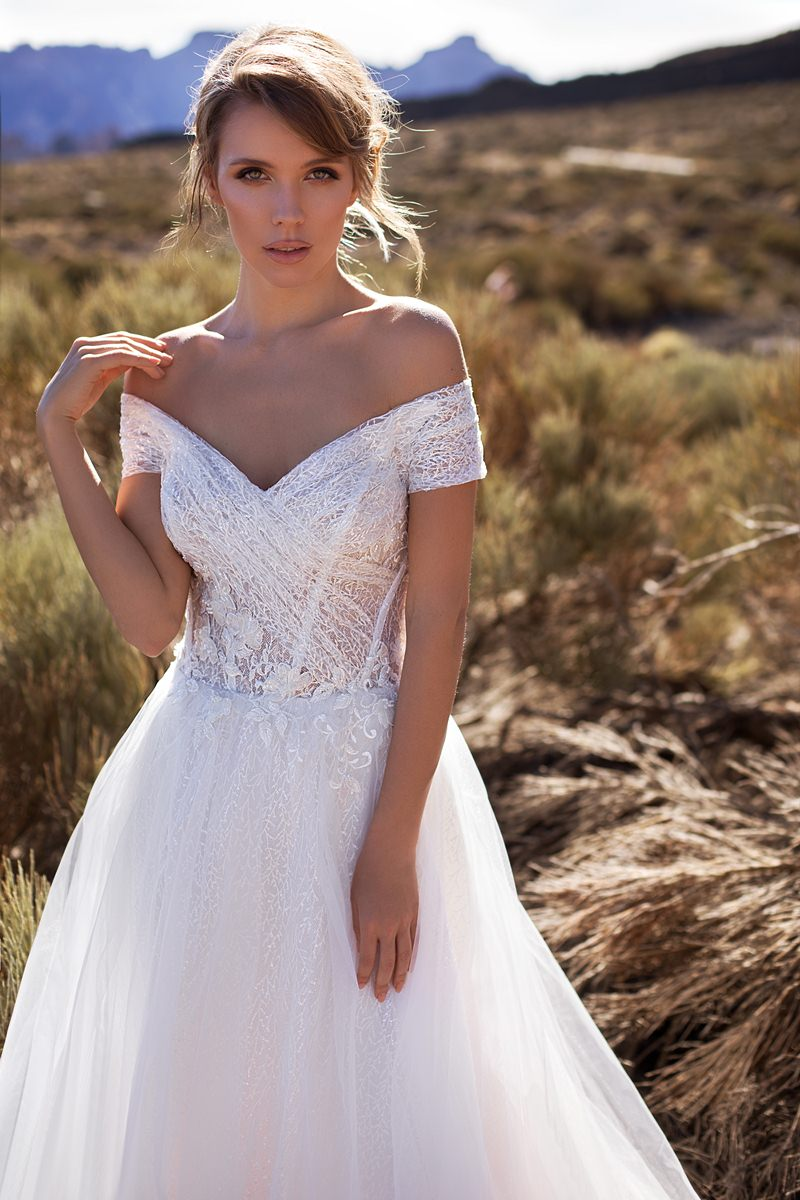 wedding gown off shoulders sleeves