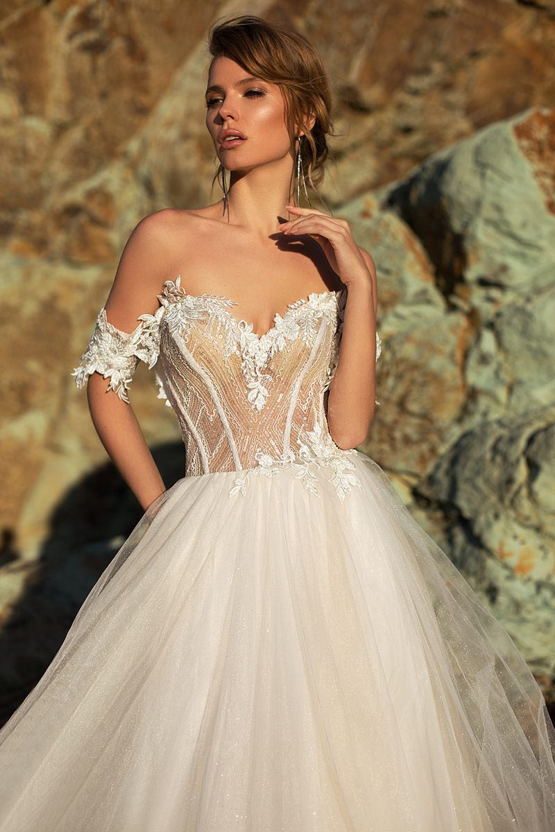 wedding dress with off shoulder sleeve
