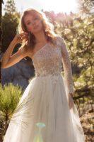 wedding dress with one sleeves