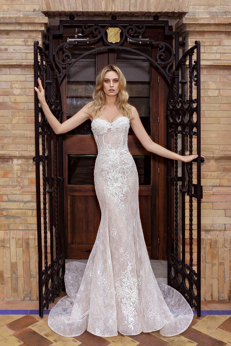 wedding dress strapless