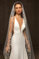 veil with beads, sequins,3 d flowers 1 layer 2,8081,50 m