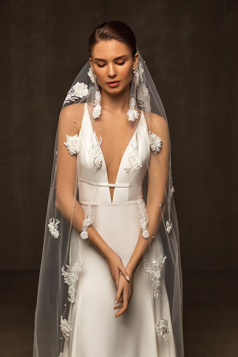 veil with embroidered lace 1 layer 2,80*1,50